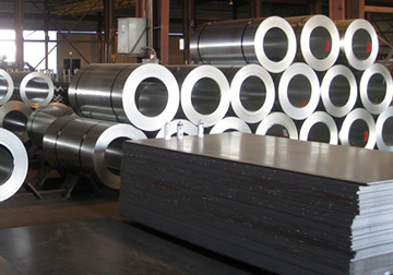 صادرات یک میلیارد و 130 میلیون دلار فلز به عراق